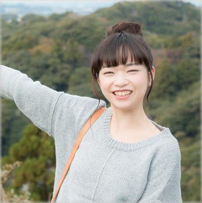 明るい笑顔写真